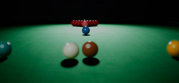 snooker table cloth and balls ready to break off
